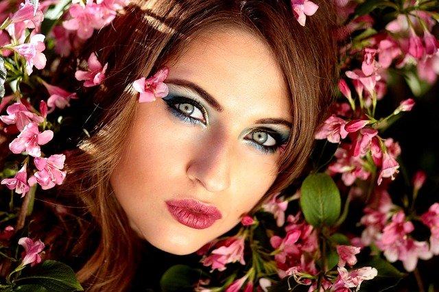 obličej a květy.jpg