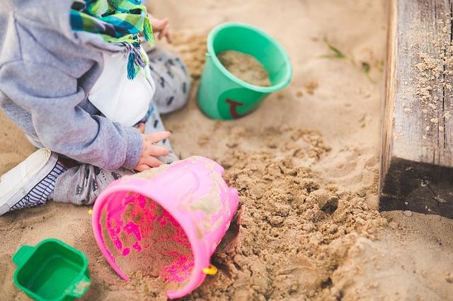 batole na pískovišti