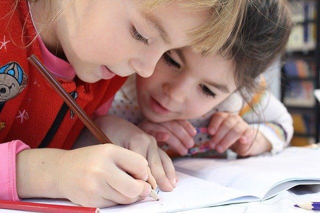 děti kreslí.jpg